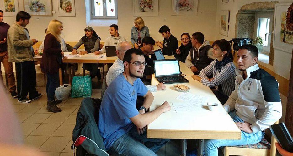 AK Asyl eröffnet Internetcafé in der Begegnungsstätte